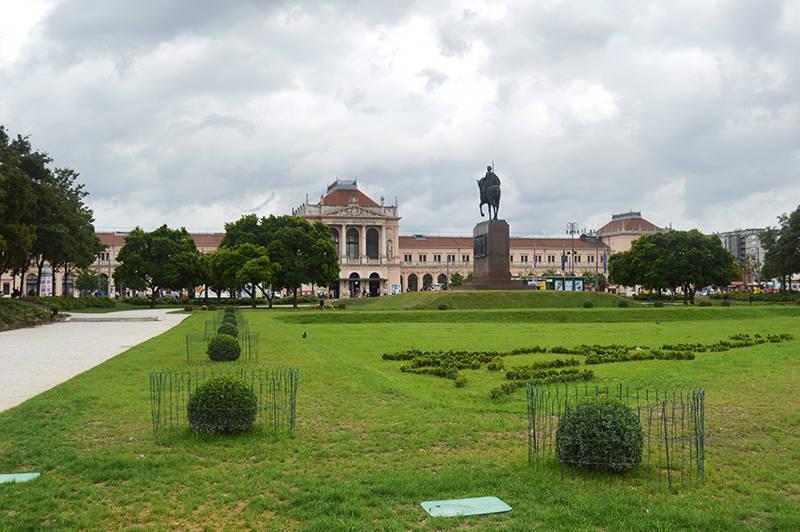 Gara Centrala si statuie, Zagreb