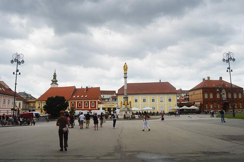 In fata catedralei, Zagreb