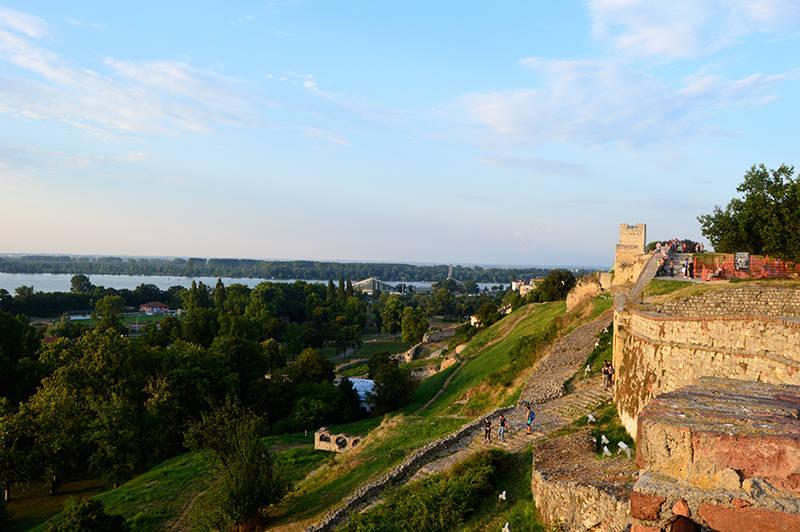 Belgrad: vedere catre Dunare dintre ruinele vechii cetati