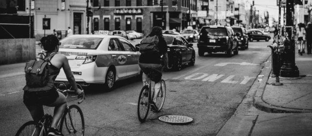 7 avantaje ale mersului cu bicicleta în oraș