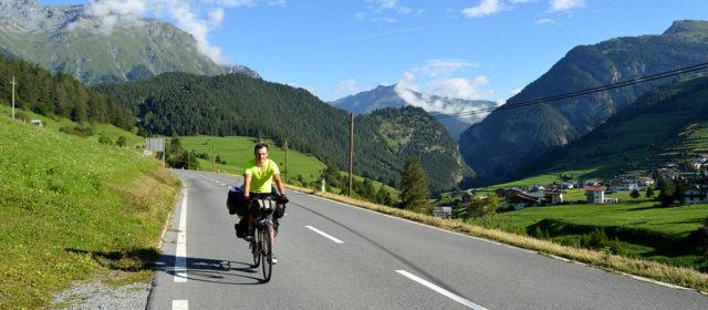 [Jurnal de cicloturist 2016] 2758 de metri. Cucerind Stelvio (Ziua 19)
